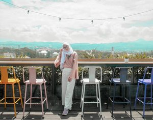alhamdulillah..Weekend sebelum puasa... mau jajan apa yaaa? 😳😃 dari pada kelamaan mikir mending mampir ke www.beaufavele.com dulu yuk 😊.........#Clozetteid #clozettedaily #ootd #hootd #hijabootdindo #lifestyle #lifestyleblogger #bloggerstyle #personalblogger #bloggerindo #bloggerindonesia #indonesianfemaleblogger #beaufavelebydian #beaufavele #ilook #lookbook #moxybandung #moxyhotels #moxyhotelbandung #atthemoxy