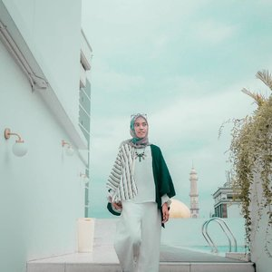 Jalan hidup tak selamanya lurus atau naik, ketika menemui jalan berkelok maupun turun kamu harus tetap melaluinya agar bisa sampai finish. Keep your faith 💕........#Clozetteid #clozettedaily #diannostyle #hijabtraveler #hijabtraveller #hijab #ootd #hootd #hijabootdindo #hijabootd #lookbook #lookbookindonesia #lookoftheweek #lifequotes #life #lifestyle #lifestyleblogger #bloggerstyle #bloggerlife #personalblogger #modestwear #modestfashion #TakenwithLumix
