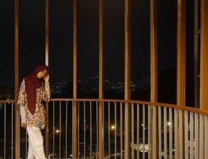 N i g h t 💗..Hijab @dnalook_id Top & pants @havaid Location @pesonaalamresort #takenwithlumix by @ariright .......#Clozetteid #clozettedaily #fashion #ootd #pesonaalamresortandspa #pesonaalamresort #lumix #lumix_id #lumixindonesia #style #modestfashion #modest #blogger #bloggerindo #bloggerlife #fashionblogger #lifestyleblogger #lifestyle #travelblogger