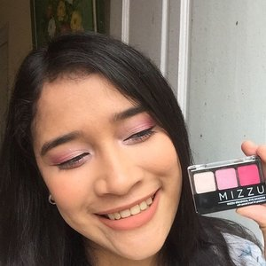 @mizzucosmetics is suitable for you brave ladies who usually likes bold colors ~ you can purchase it on @sociolla and get 50k disc with my code🙌�😽 Eyes: Mizzu Gradical Eye Shadow  #jennylamtio #sociolla #sociollablogger #clozetteid #beauty #beautyblogger #mizzucosmetics #mizzuxsociolla