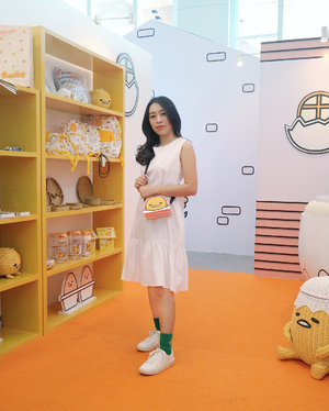 Who can't resist cute things?? . If it's you, then make sure to stop by at @sanrioindonesia @gudetama event at @phinisipoint // 12-22 April  You would love to see all the cute cute things there💗 . . . . . . #ootdstyle #ootd #ootdindo #wiwt #lookbook #lookbooknu  #indobeautygram #indovidgram #ivgbeauty #Clozetteid #Chikezlook #CGStreetStyle #ggrepstyle #iLookNet #NetTv  #phinisipoint #apprec1ate