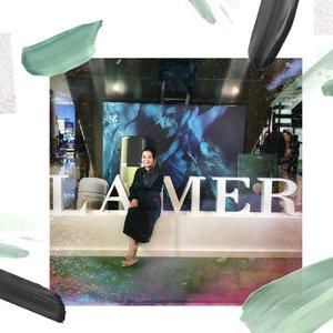 Happy 1st Anniversary #LamerIndonesia @galaxymallsby 💚 • • • Thank you @dikastiff • • • #lovelamer #skincare #miraclebroth #beautyevent #green #white #luxuryskincare #skincareblogger #skincarelover #skincareroutine #skincareproducts #skincareaddict #skincarejunkie #iloveskincare #clozette #clozetteid #galaxymallsby