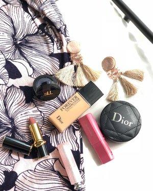 My #Makeup 💕⛴ 💕🛥💕🛳 ⚓️ . ⚓️ . ⚓️ . Thank you 😘💕 my fave shade of Pink 😘💕 @natasshaliao . ⚓️ . ⚓️ . ⚓️ #makeuppost #makeuptalk #motd #makeupaddict #makeupartistlife #makeupartist #dior #diorvalley #luxurybeauty #portlife #port #bay #baylife #workingmom #workingmomlife #hakuhodo #pink #marksandspencer #tomford #mango #patmcgrath #lipstick #beautyblogger #beautyvlogger #spain #beautylover #clozette #clozetteid