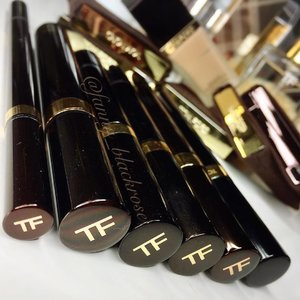 #Tomford #essential #makeup #beauty mess for the #weekend  #tomfordmakeup #tomfordbeauty #tf #tfmakeup #tfbeauty #makeupmafia #makeupjunkie #clozette #clozetteID #clozetteambassasor #travelfriendly #traveler #tube #mascara #concealer #eyedefiner #eyeliner #correctingpen #illumitatingpen