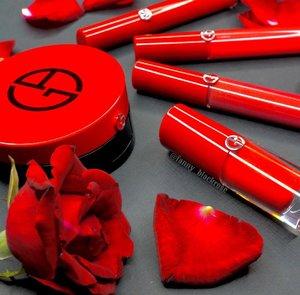Seize the day 🌹💋 . . . #armani #armanibeauty #rose #roses #redroses #red #giorgioarmani #giorgioarmanibeauty #wakeupandmakeup #makeup #makeuppost #makeupporn #makeuplookbook #makeupcollector #ilovemakeup #idontplaniplay #beauty #beautiful #clozette #clozetteid #luxurybeauty #bblogger #bblog #beautyblogger #indobeautygram #beautylover