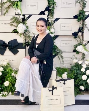 Having so much fun at the opening of @jomalonelondon #jomaloneID #jomalonelondonid #jomaloneid  For their first boutique at #PlazaIndonesia ♥️ Happy to be one of their #beautyinfluencer ♥️ #beautyblogger #beautylover #beautyaddict #beautyjunkie #pomegranatenoir #blackandwhite #jomalone #happy #celebratinglife #idontplaniplay #beautyhost #clozette #clozetteid