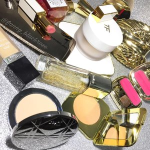 #Saturday #chaos 😅🎆 i don't have much time to play with #makeup 🎆 during this time, I need Products that I know I could rely on... #fastfurious as always ... #dior #tomford #dolcegabbana #guerlain #hourglass #angel #gold #white #makeupflatlay #flatlay #beautyblogger #beautyvlogger #youtuber #clozetteID #clozette #makeupmafia #makeupblog #makeupporn #makeupobsessed #sisley #sundayriley