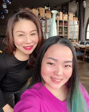 Creating good memories with such good positive energy 😘💋 thank you @nat_ic_sz 🤗♥️ • • • #ladies #thebundshanghai #positivevibes #ladieswholunch #livingmybestlife #happyisdecision #happyishealthy #grateful #thankful #blessed #enrichinglives #enrichingwomenslives #enrichingmysoul #friendship #beautifulday #moment  #clozetteid #clozette #attoprimo #foodgasm #ladytraveler