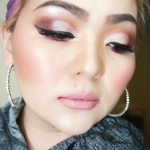 """""""Because one believes in oneself, one doesn't try to convince others. Because one is content with oneself, one doesn't need others' approval. Because one accepts oneself, the whole world accepts him or her."""" ― Lao Tzu 🌸 Because the love of #makeup I  am here. 🌸 No need other words to explain 🌸 #motd #makeupaddict #makeuplover #makeupmafia #makeuptalk #imperfect #clozetteid #makeuplook #cutcrease #indobeautygram #wakeupandmakeup #tomford #tomfordbeauty #anastasiabeverlyhills #modernrenaissance #viseart #minx #theorypalette #flynn #lipsandboys #lipstick"""