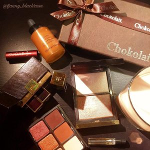 Starting from #Makeuplove especially lovely #TomfordMakeup 😊 We are making friends and spreading the love around #instagrambeauty  Thank you @chibaby2106 for the treat @chokolaitfans ❤✨ #Makeup #chocolate #coffee ✨❤ Love it ... . . . #viseart #tomford #freshbeauty #moonlight #clozetteid #armanibeauty #giorgioarmani #chokolait #tomfordnoir #makeuppost #makeuptalk #makeupflatlay #bblogger #beautylover #igbeauty #igmakeup #igbeautyblogger #luxurybeauty