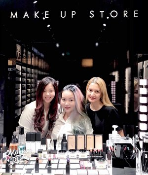Happy #Sunday everyone ... finally out today! 😜  #throwback a #goodtime with my #Beautiful ladies @makeupstoresingapore 🤗💖✨ can't wait for another #ladiesdayout 😘💖✨ #makeupstore #makeuppost #makeuptalk  #makeupdolls #myromana #loveforskincare  #makeupstoresingapore  #clozette  #clozetteid  #precious #moment #weekend #weekender  #wakeupandmakeup  #ilovemakeup  #instabeauty  #beautygram