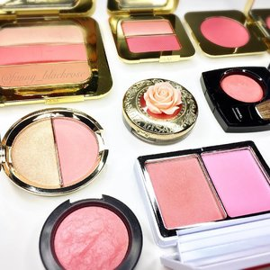 Pulling out some #blushes from my stash to play 💖🌸✨ #tomford #tomfordsoleil #tomfordbeauty #tomfordmakeup #tf #tfbeauty #tfmalwuo #becca #beccacosmetics #beccacosmeticsxjaclynhill #champagnepop #lizlisa #coral #blush #pink #nathasadenona #maccosmetics #dainty #bicoastal #theafternooner #champagnesplits #pinksand #chanel #angelique #makeup #makeuppost #clozetteid