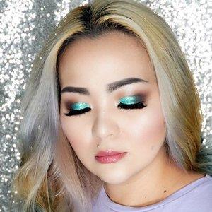 Still loving my #makeup yesterday #throwback #makeuppost #makeuplook #makeupbooklook #tomford #gucci #dolcegabbana #lipstick #3ina #spain #ctilburymakeup #charlottetilbury #cledepeau #urbandecay #clozette #clozetteid #manicpanicnyc #mermaid #mermaidians #purplish  #purple #glittery