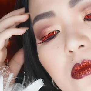 I share my way of #blending #eyeshadow on my #YouTube #beautyyoutube channel as preparation for #celebrating #lunarnewyear #cny #cny2017 🌝✨ Link on my bio 👆👆👆 or 🎥 https://youtu.be/GOwOr-r4XsE 🖤⭐️🖤⭐️🖤⭐️🖤⭐️🖤⭐️🖤⭐️🖤⭐️🖤⭐️🖤⭐️ #makeup #makeuppost #makeuplover #makeupaddict #beautyblog #beautyyoutuber #makeupmafia #makeupjunkie #makeuptutorial #makeupjunkie #makeupblog #modernrenaissancepalette #anastasiabeverlyhills #clozetteID #clozetteambassador