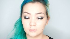 #throwback my #beautyvideo #makeupvideo with #tomfordeyeshadow #tomfordbeauty #tomfordmakeup 🖤⚪️🖤✨ #helloeyes #makeuppost #makeuptalk #makeuplover #makeupjunkie #beautyholic #beautylover #wakeupandmakeup #mermaidlife #manicpanicnyc #greenhair #asian #asianmakeup #clozette #clozetteid #simplemakeup #quicky #idontplaniplay #hakuhodo #inglot #surratbeauty