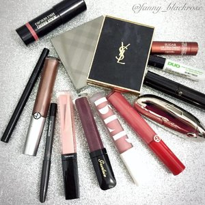 #beauties that's been on my #makeuppouch the whole #January #january2017 #januaryfaves 😊✨ time flies 💫 so fast ✨ #ysl #burberry #blp #armanibeauty #chanel #dior #suqqu #mac #guerlain #cledepeau #fresh #clozette #clozetteid #makeup #makeuppost #beautyblogger #beautyvlogger #beautyyoutuber #makeupporn #makeupmafia