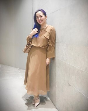 Thank you @sirenclothingind 😘♥️ . . . #3flawlessbase #3flawlessbabe #3my #beautyevent #beautyblogger #beautyvlogger #bblog #beautygram #fashiondesigner #clozette #clozetteid #manicpanic #manicpanicnyc #fashion #lookbooklookbook #lookbook #lookbookindonesia #mystyle #fashionpost #beautyinfluencer #brown #chocholate #valentino #rockstud #rockstuds