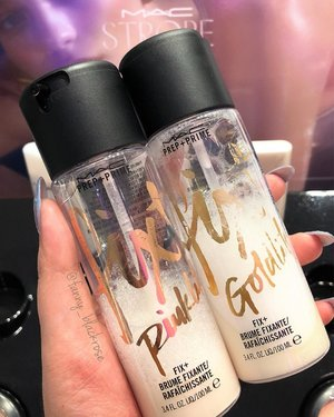 Finally, got them in my hand 🤚 ✨😄✨ #macfixplus #macfixplusgoldlite #maxfixpluspinklite #maccosmetics #clozette #clozetteid #makeup #makeuptalk #makeuplover #makeupaddict #makeuplife #makeuppost #glowgetter #glow #glowup #fixplus #beautygram #beautyblog #beautyblogger #beautyaddict #beautyvlogger #ilovemakeup #wakeupandmakeup