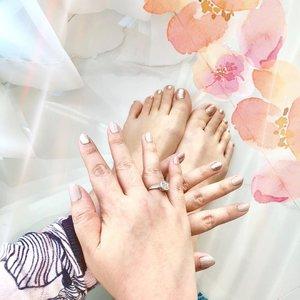 • 🌸 Sunday 🌸 • • • • 💅 @sieeranailstudio  • • • #relaxing #sunday #sundayfunday #pink #pinkseries #nailpost #nailsofinstagram #nailart #nailsoftheday #clozette #clozetteid #gelpolishmanicure #nudepolish #glitternails #livingmybestlife #blessed #thankful #grateful #lovingmylife #helovesmefirst #idontplaniplay #idontplanipray