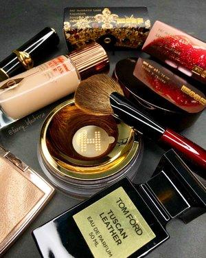 New Beauties To Play With ♥️✨ . . . From @beautylish @patmcgrathreal . . . #charlottetilbury #charlottetilburymakeup #hourglasscosmetics #anastasiabeverlyhills #anastasiabeverlyhillsxamrezy #highlighter #glowgetter #glasskib #tomford #tomfordprivateblend #tuscanleather #lipstick #lipstickjunkie #wakeupandmakeup #luxurybeauty #beautyinfluencer #beautyaddict #beautyblog #makeupcollector #makeup #makeuppost #makeuphaul #makeuptalk #ilovemakeup #makeupaddict #clozette #clozetteid
