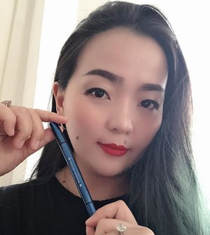 I've been enjoying some of @minisoindo beauty products that you ... yes you ... curious to know. 🙂  One new HG I found is •DOUBLE END THICK & THIN LIQUID EYELINER• 💙 Ig doesn't cost arm and leg 💙Blue metallic Colour , easy to find 💙 Stay where it should stay for hours ... (mind my crazy hours of having fun 😉) 💙 give you options with 2 different thickness of pen applicator 💙 Easy to remove • Can't ask for more 👌 for someone always #onthego • Disclaimer  I buy the product with my own money. Not sponsored. • #honestreview #beautyblogger #beautylover #beautyaddict #beautyjunkie #wakeupandmakeup #bblog #beautydiary #makeuplover #makeupaddict #makeup #makeupidea #weekend #weekender #photographyiphone #blue #clozette #clozetteid