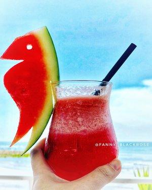 Freelance' means I can take watermelon breaks and no one can yell at me.🍉 🍉 #watermelon 🍉🍉#freelancer #break #takeabreak #metime #waitingforsunset #beachclub #beachlover #wakeupandmakeup #happy #grateful #thankful #idecidetobehappy #birthday #oneyearolder #precioustime #happymoment #birthdaygirl #clozetteid #clozette #beach #beachside