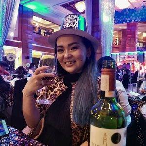 💋 Happy New Year 💋•••#happynewyear2020 #newyear2020 #bye2019#clozette #clozetteid #enrichingmysoul #takebackmylife #idontplaniplay