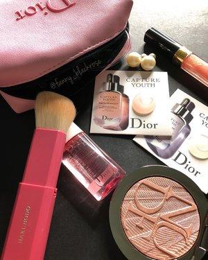 #PINK day with #DIOR 💖✨ @diormakeup 💖 #diorvalley 💖 #diormakeup  #diorbeauty #diorlover #diorbeauty #makeup #makeuppost #motd #makeuplife #makeuptalk #skincare #skincarelover #beautygram #beautylover #beautyaddict #makeupaddict #clozette #clozetteid #beautyblogger #beautyblog #skincarepost #beautypost #highlighter #glowgetter