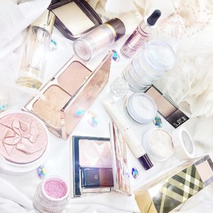 Can't leave the house without that #glowing #strobing #highlight #highlightcontour yeahhhh ✨✨✨ it gives #healthyglow even you are not using any #foundation ✨✨✨ it also reflect beautifully on the #selfie , make sure to put in the right place to avoid looking greasy instead ✨✨✨ #makeup #makeuppost #makeuptalk #skin #glowingskin #beauty #clozetteID #guerlain #burberry #surrattbeauty #coverfx #tomford #inglot #hourglass #hourglasscosmetics #cdp #cledepeau #charlottetilbury