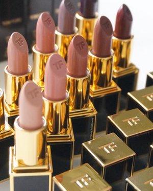 I miss you 😘  #tomford #tomfordlipstick #tomfordlipsandboys #tomfordbeauty #tomfordmakeup #tomfordlifestyle #tomfordstyle  #wakeupandmakeup #luxurybeauty #makeup #makeuptalk #makeupcollection #makeupcollector #makeupaddict #lipstick #nudelipstick #clozette #clozetteid