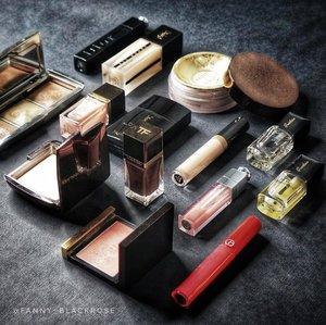 I like what I like, the way I want it to be 🖤 Dark 🖤...#makeup #makeuppost #makeuplover #makeupcollector #makeupjunkie #wakeupandmakeup #luxurybeauty #clozette #clozetteid #armanibeauty #hourglasscosmetics #tomford #tomfordaddict #guerlain #guerlainid #yslbeaute #yslindonesia #yslallhoursfoundation #ysl #beautygram #beautypost #nailpolish