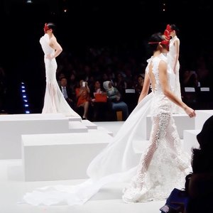 """Closer look from the beautiful Haute Couture collection """"Annunciation"""" by @jovianmandagie on previous #ifw2017 ❤️✨ - Anyway, i'm currently learning & working with several videos for my youtube channel, including a glimpse of Indonesia Fashion Week 2017. If you have a youtube channel, pls let me know! Would love to subcribe & know each other 😉 Mine is : Cherryblossom1511"""