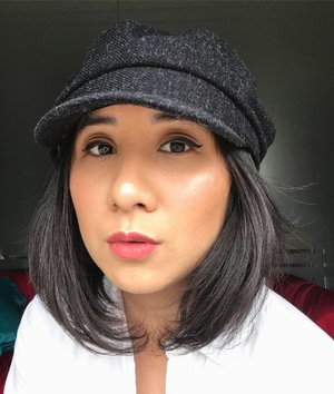 I am using: - NYX total control drop Foundation shade True beige - DEAR ME powder - RIMMEL bronzer  - CHANEL blush on - NAKED eye shadow  - BECCA highligter  - DEAR ME lip matte Luna  Hat from @loveontheweekend
