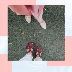Sahabat terbaik itu seperti sepasang sepatu. Walau bentuknya senada, tapi tak pernah sama. Saat berjalan, tak pernah berdampingan tapi tujuannya sama. Saling melengkapi, tapi tak pernah bisa mengganti posisi. Selalu sederajat, tak ada yang lebih tinggi. Dan bila sebelah nya hilang, yang lain tak memiliki arti.  In frame @megaa_pertiwi  . . . . . . #Clozettestar  #ClozetteID #Clozetteambassador #Clozetteindonesia  #Clozetteindonesia #Clozetteco  #Clozetteidreview #canvadesigns