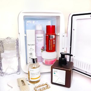 Happy Mother's Day! I want to share my mom's skincare routine, she turned 48 this November. My mom was religiously using her prescription cream from derm for years but just couple months ago she became interested in skincare OTC and began asking me for recommendation🤪 ❣ #Simplistic cleanser beginMy mom doesn't use makeup in daily basis, so she washes her face with facial wash only. Since 250ml are too much to use by myself, I give it to her. She said it smells good like cough medicine, leaving her skin hydrated, not stripped and dry, even my dad also uses it.❣#Mamonde Rose Water TonerShe really likes rose toner, she previously used Viva Rose Tonic before I give her Mamonde, turned out she likes it better. The rose scent is refreshing, it makes her skin supple and hydrated, she also use it to mix with gamat mask❣#Iunik Propolis Vitamin Synergy SerumShe wanted a brightening serum, I give her this to try. She loves the sweet scent but she hasn't noticed any brightening effecf yet, instead I was told to check it, what the heck mom 🤣❣#Langsre Peach Whitening CreamMy mom prefer to use a day cream that has tone up effect. It makes her skin tone brighter and more even. She likes to use it in the morning. Unfortunately, it doesn't have SPF, the tone up cream that she previously used was garnier sakura white, has SPF, so she doesn't have to use sunscreen.❣#Hadalabo Gokujyun Alpha LotionSince her skin is normal, she uses it as light moisturizer for PM. This is actually toner but has an emulsion-like texture, thicker than regular Gokujyun series. ❣#Patyka Antioxidant Smoothing CreamIt's been a week since she uses it as PM moisturizer. I give it to her because I believe it suits to her skin concerns. She said it feels quite light and smells good, well I don't like the scent tho😅 The texture is creamy, white colored. It has more emollient feeling and doesn't feel greasy at all.I just realized that my mom's routine is improving a lot, the only thing missing is sunscreen. So my nex