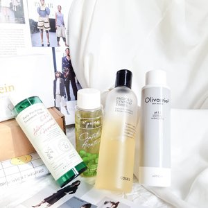 Happy weekend!Use a toner morning and night 🌞🌛Pour toner into my hands and tap it directly onto the skin, but sometimes I use cotton pad and tap gently, swipe it around my face, working outwards.......#soconetwork #clozetteid