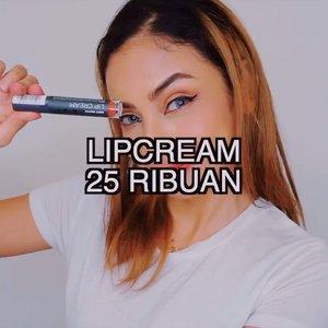 Punya duit cuma 25rb tapi pengen centil beli lipcream? Jangan sediiiih, ada lipcream 25rb original bukan brand abal2 dan pastinya KW. . SAY NO TO PRODUK PALSU!!! Mending pake produk lokal Indo aja, bagus dan dijamin aman. Hargapun cocok dikantong~ Kebetulan soft matte lipcream-nya @mineralbotanica lagi promo dari 69rb jadi 25ribu aja! Kalian bisa beli di Shopee, web atau pun via website Mineral Botanica. Di video udah ku swatch yaaa warna lipcream yang lagi diskon, biar ga bingung sistaaah~ .  Mau belanja yang lain juga boleh banget, bisa diskon pake kode MICAxNADA buat dapet diskon 10% dengan belanja di website nya @mineralbotanica!!! . . Ps. Promo Lipstick 25rb ini berlaku sampai 31 Mei 2019 aja, so buruan beli sebelum promo nya abiiiis!!! . #indobeautygram #tutorialmakeup  #ivgbeauty #beautyvlogger #beautyenthusiast @indobeautygram #indobeautyblogger #indobeautyvlogger #makeuptutorial #tutorialmakeup #makeuplook #wakeupandmakeup #indobeauty #makeuplook #wakeupandmakeup #indobeauty #indovidgram #ivgtips @indovidgram #bunnyneedsmakeup #clozetteid @clozetteid #tampilcantik @tampilcantik #hudabeauty @hudabeauty #ragamkecantikan #indobeautysquad @indobeautysquad #beautynesiaid #beautynesiamember #beautynesia