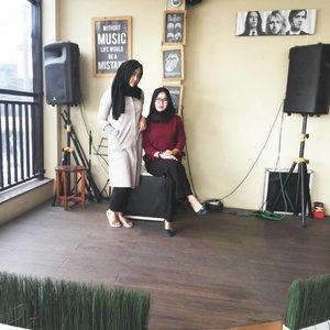 Friends make the good times better and the hard time easier👭 #clozetteid #cotw  #HijabInFashion  #outfitoftheday  #stylehijab  #ootdindo  #photoodtheday  #indonesiacommunity  #diaryhijaber #indonesiafashion  #ootdhijab #hijaber #hijab