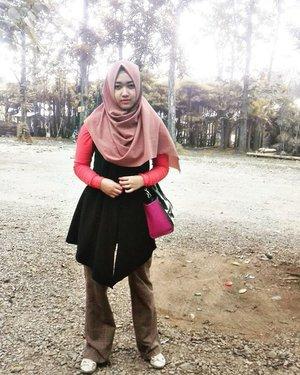 ��� ⚫ ⚫ ⚫ ⚫ ⚫ ⚫ ⚫ ⚫ ⚫ @duahijabtrans7  #HOOTDDuaHijab  #duahijabtrans7 #clozetteid #cotw  #HijabInFashion  #outfitoftheday  #stylehijab  #ootdindo  #photoodtheday  #indonesiacommunity  #diaryhijaber #indonesiafashion  #ootdhijab