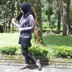 In a grey & black mood � ⚫ ⚫ ⚫ ⚫ ⚫ ⚫ ⚫ ⚫ ⚫ ⚫ @duahijabtrans7  #HOOTDDuaHijab  #duahijabtrans7 #clozetteid #cotw  #HijabInFashion  #outfitoftheday  #stylehijab  #ootdindo  #photoodtheday  #indonesiacommunity  #diaryhijaber #indonesiafashion  #ootdhijab