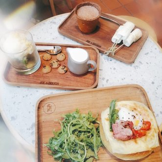 Late brunch a.k.a breakfast and lunch! Swipe for more pictures!1. All menu 😘2. JD breakfast bowl - sordough bread + beef bacon + chicken ham + horenzo+ mozzarella cheese + mushroom + cherry tomato + ginger lime mustard dressing + sous vide egg + melted cheddar cheese ❤️🍞🥖🥚🍳3. Matcha affogato - matcha cubes + vanilla ice cream + butter crumble + milk and cookies#Clozetteid