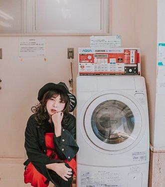 Waiting for my laundry to be done 🧺..📷 @williamiskandar ....#clozette #clozetteid #portrait #lookbook #selfportrait #yunitainjapan #lifestyle #ootd #japan #japanlaundry #explorejapan #wheninjapan