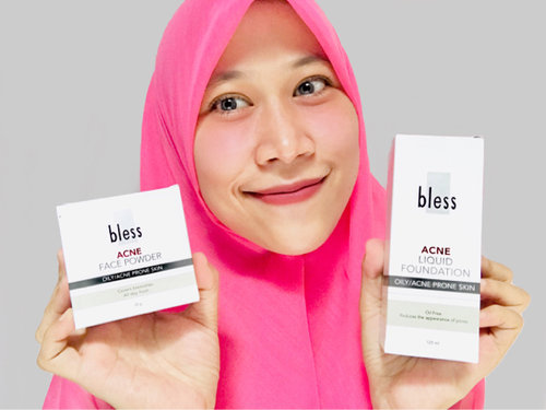 "<div class=""photoCaption"">For the first time pakai Liquid Foundation dan Face Powder dari @bless.cosmetics dan ternyata suka pake banget 😍 nyesel ga nyobain dari kemarin. Oiya ini aku pakai series untuk oily skin karena wajah ku cukup berminyak. Tunggu ya aku akan review satu2 produk dari @bless.cosmetics ini<br /> .<br /> .<br /> Cek ig @bless.cosmetics atau klik link di bawah ini ya :<br /> <br /> <br /> 🌸Bless Liquid Foundation🌸<br /> <br /> <a href=""http://bless.co.id/products?p=products&limitstart=0&filter_ProductName_5=&filter_SkinType_2=Acne+Prone+Skin&filter_ProductType_1=Foundation&filter_Sorting_4=none"" class=""pink-url""  target=""_blank""  rel=""nofollow"" title=""http://bless.co.id/products?p=products&limitstart=0&filter_ProductName_5=&filter_SkinType_2=Acne+Prone+Skin&filter_ProductType_1=Foundation&filter_Sorting_4=none"">http://bless.co.id/products?p=products&limitstart=0&filter_ProductName_5=&filter_SkinType_2=Acne+Prone+Skin&filter_ProductType_1=Foundation&filter_Sorting_4=none</a><br /> <br /> 🌸Bless Acne Face Powder Natural🌸<br /> <br /> <a href=""https://bless.co.id/products/product/121-acne-face-powder-natural"" class=""pink-url""  target=""_blank""  rel=""nofollow"" title=""https://bless.co.id/products/product/121-acne-face-powder-natural"">https://bless.co.id/products/product/121-acne-face-powder-natural</a></div>"