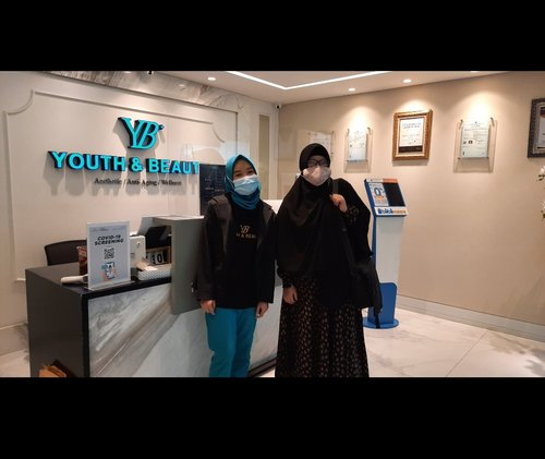 Thankyou @clozette.id untuk voucher treatment nya di youth & beauty clinic. Happy banget bisa me time