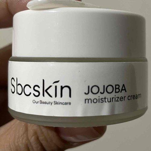 Suka banget sama moisturizer sbcskin iniii, bikin plump muka 😍😍😍 #skincare #moisturizer