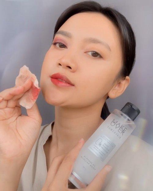 PENTING !!! JANGAN DI SKIP !!!!  Makeup, sunscreen, debu & polusi kalau tidak dibersihkan dengan baik dapat menimbulkan masalah pada kulit loh..!  Jadi, jangan pernah skip untuk membersihkan wajah sebelum tidur..  Kalian bisa menggunakan Powerskin Bi-Phase Oil Micellar Water dari @makeoverid yang dapat membersihkan makeup waterproof, minyak berlebih dan kotoran dengan mudah, sampai benar-benar #clean2zero   Kenapa harus Powerskin Bi-Phase Oil Micellar Water ??? 📌 0% Residu 📌 Skin Shield Actives 📌 Shoote & Refresh 📌 Non Acnegenic & Non Comedogenic 📌 Alcohol & Fragrance Free 📌 No Rinse & No Greasy Feel 📌 Dermatologically Tested 📌 BPOM  Tonton videonya sampe abis supaya kalian bisa menyaksikan sendiri hasilnya !!!  #MakeOverID #CLEAN2ZERO #makeover #makeoverpowerstay #makeoverpowerskin #makeovernewbae #justlashup #hyperblack #staygorgeous #makeuptransformation #makeuplooks #beauty #influencer #style #fashion #lifestyle #blogger #beautyblogger #beautyinfluencer #indovideogram #beautyvlogger #tutorial #glowfromhome #reels #transformation #freshskin #clozette #clozetteid
