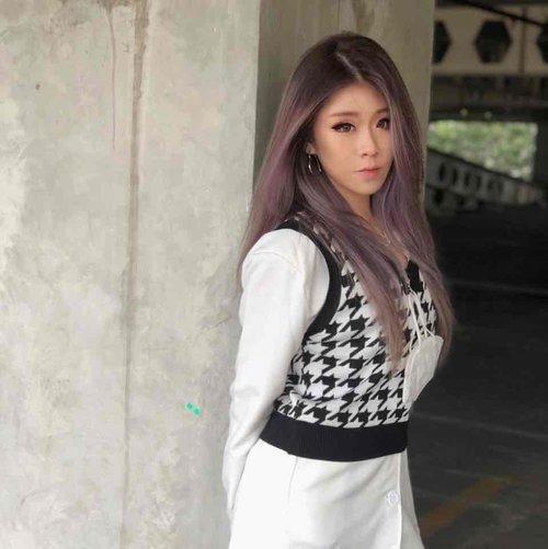 purple hair 👑 #clozetteid #fashion #hair #haircolor