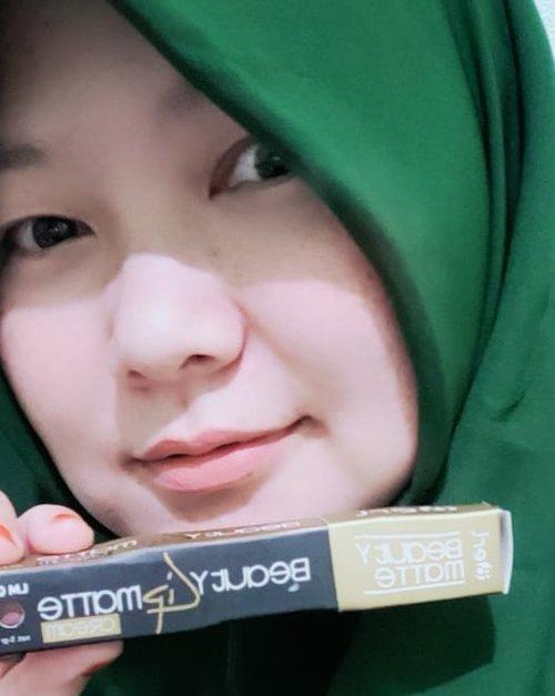 Nyobain Lipmatte B erl .  Bagus 😍 #makeup #lipmatte