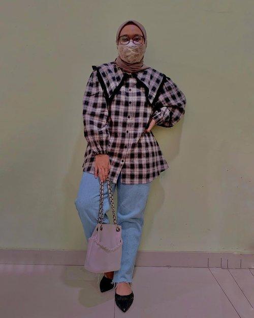 #ootd colongan tapi tetep gabisa buka mask 😆  Wearing Callie Top by @haideeorlin 🖤  - #clozetteid #clozette #haideeorlin #ootdwithhaideeorlin #lb #like #ootdid