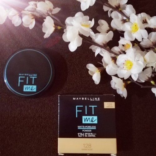 Fit Me Matte Poreless Powder 12H Oil Control